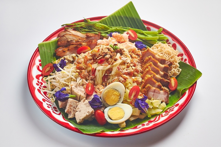Baan Ying_One Meal Around Thailand_Som Tum (Green Papaya Salad with assorted toppings)