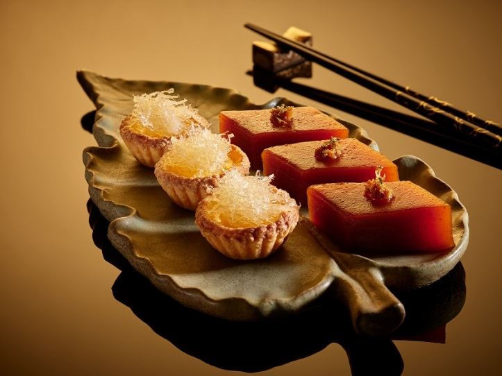 Bird's Nest Tart and Steamed Red Date Cake with Osmanthus Syrup