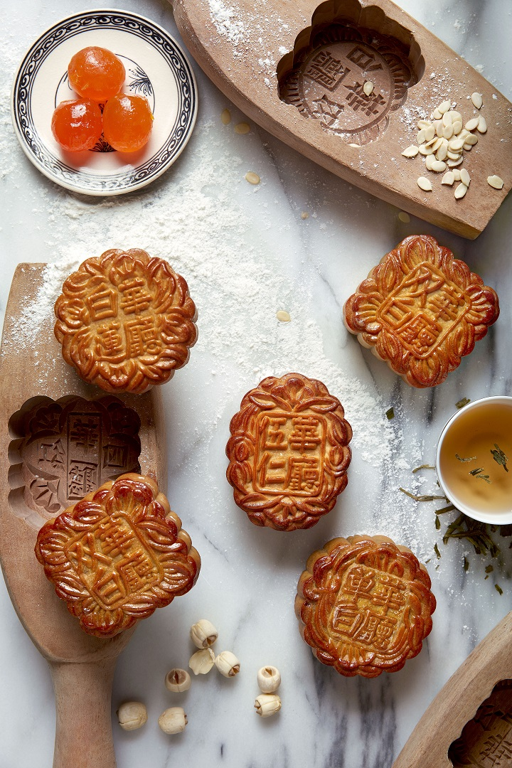 assorted-traditional-baked-mooncakes
