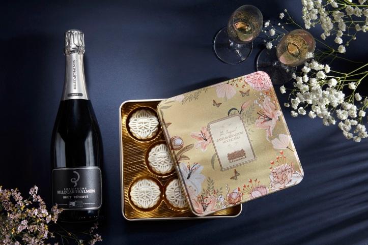 champagne-truffle-snow-skin-mooncake-with-billecart-salmon