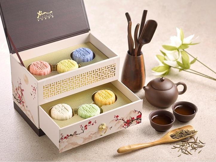 holiday-inn-singapore-atrium-assorted-mini-snowskin-mooncake-with-box-2021